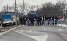 Serbia prohíbe la entrada a los karatecas kosovares