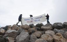 La plataforma contra los diques de la Magdalena denuncia que se están construyendo 80 metros más de los previstos