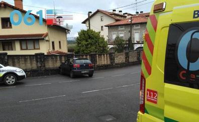 Una joven de 23 años, herida al empotrarse contra un muro en Limpias