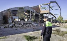 Se derrumba en Pontejos una de las naves en ruina de Simsa