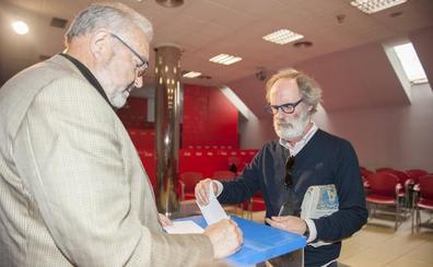 Dos PSOE para un solo candidato