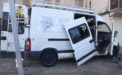 Detenido por robar valiosas herramientas en furgonetas de empresa estacionadas en Laredo, Ampuero y Limpias