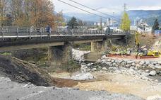 El puente Renero de Los Corrales se cortará al tráfico el próximo verano