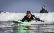 La Federación Cántabra de Surf realiza su primer curso adaptado