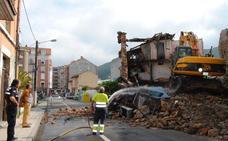 Santoña derriba otro edificio en ruina en la calle La Verde
