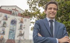 «El Gobierno de Sánchez pagará la deuda de Valdecilla y paralizará los diques de la Magdalena»