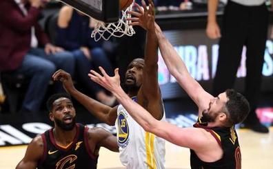 Durant pone a los Warriors a un triunfo del título