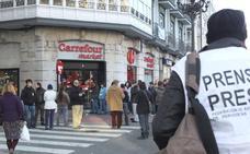 UGT se moviliza contra aperturas dominicales de Carrefour Express