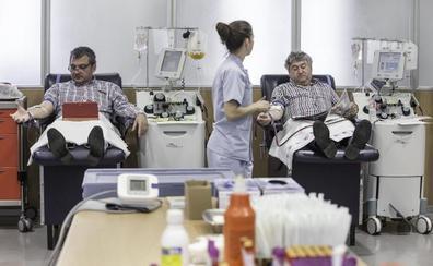 La donación de plasma, materia prima de fármacos «imprescindibles» del hospital