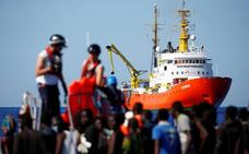 Cantabria se ofrece para recibir a refugiados del 'Aquarius'