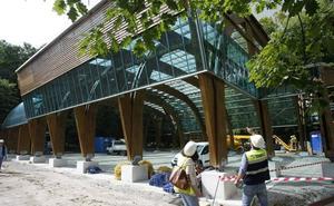El parque infantil cubierto más grande de Cantabria estará listo en un mes