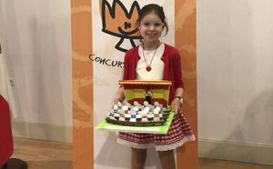 Andrea del Hoyo, del colegio San Roque-Los Pinares, gana el concurso ¿Qué es un Rey para ti?