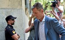 Urdangarin tira la toalla y se resigna a entrar en prisión