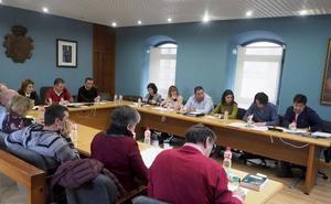 El Pleno de Astillero insta al alcalde a modificar el crédito para ejecutar obras