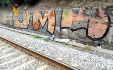 Detenido un torrelaveguense de 18 años por hacer grafitis en veinte vagones de Renfe