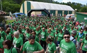 Multitudinaria marcha contra el cáncer en Cartes