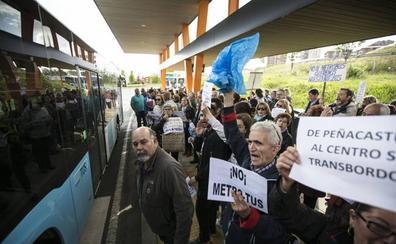 El MetroTUS ha introducido 22 cambios y ha ajustado 11 de las 20 líneas desde su estreno