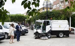 Torrelavega inicia la transición a los vehículos eléctricos para la limpieza de sus calles