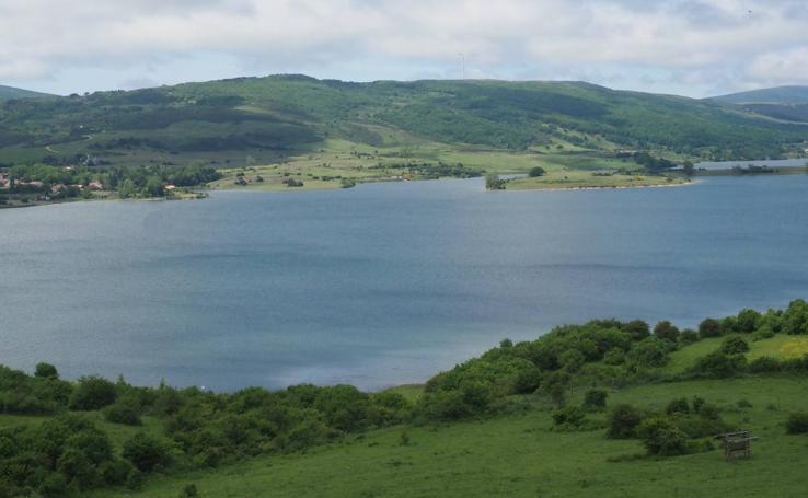 El embalse del Ebro recibe al verano al 87% de su capacidad