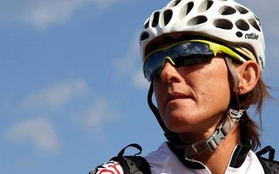 Ruth Moll quiere ser la primera europea en coronar el Kilimanjaro en bici