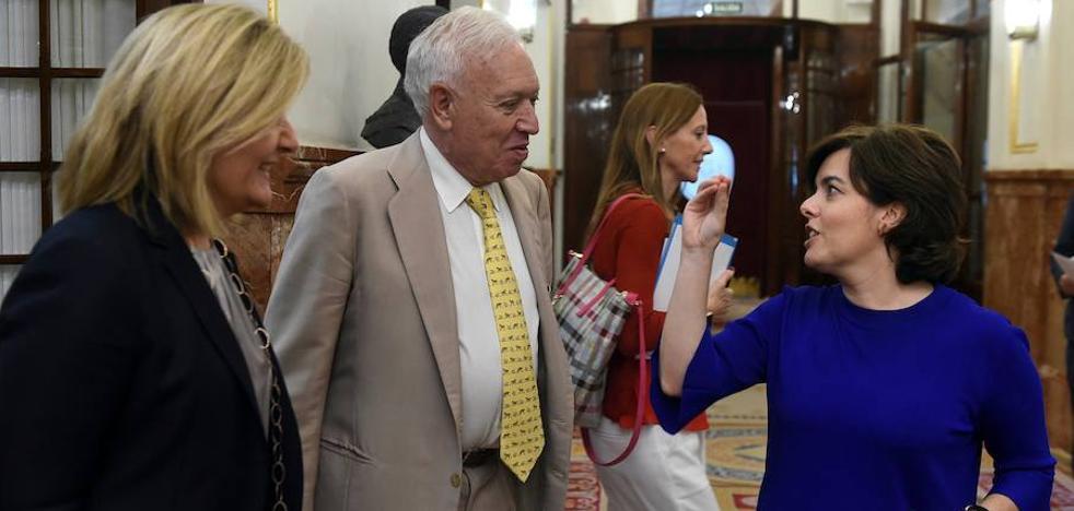 Margallo alerta de que una «guerra de las Dos Rosas» acabará por romper el partido