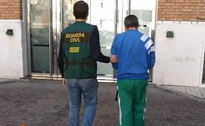 Un trabajador de una escuela infantil de Cantabria, implicado en una operación contra la pornografía infantil