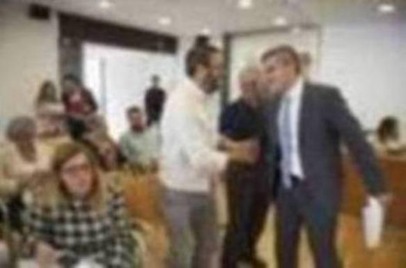 Zuloaga promete «seguir trabajando por Bezana» en su despedida como alcalde