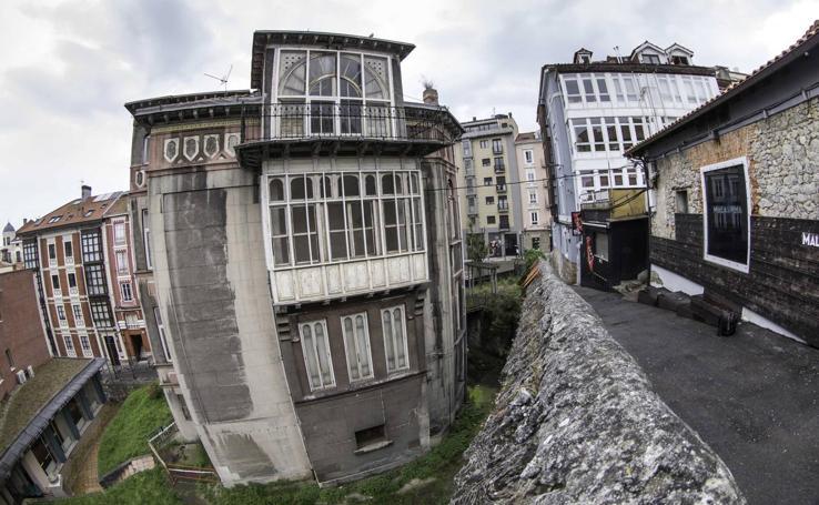 El Palacete de Cortiguera se cae a pedazos