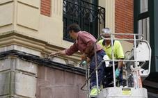 Torrelavega examinará cada dos horas el edificio desalojado tras la aparición de grietas