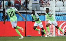 Nigeria sorprende a Islandia y revive a Argentina