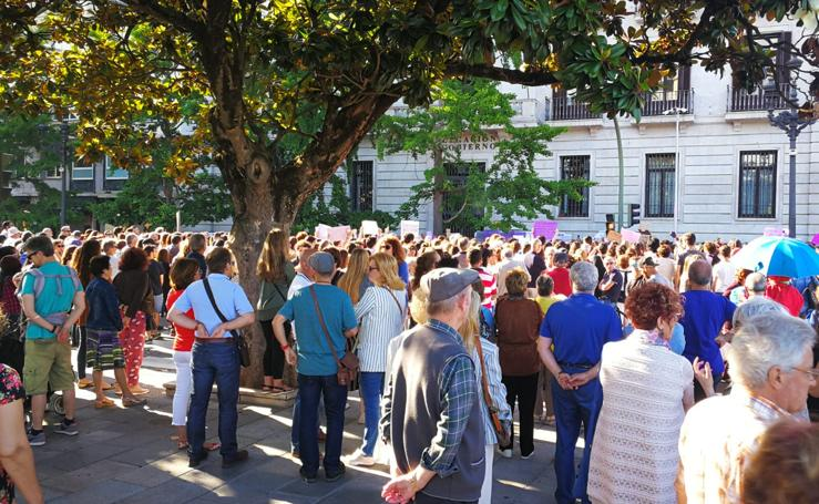 Cacerolada en Cantabria contra la libertad de 'La Manada'