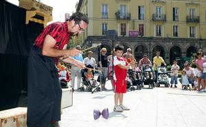 Grupos de cuatro países actuarán en el Festival de Teatro de Calle de Torrelavega