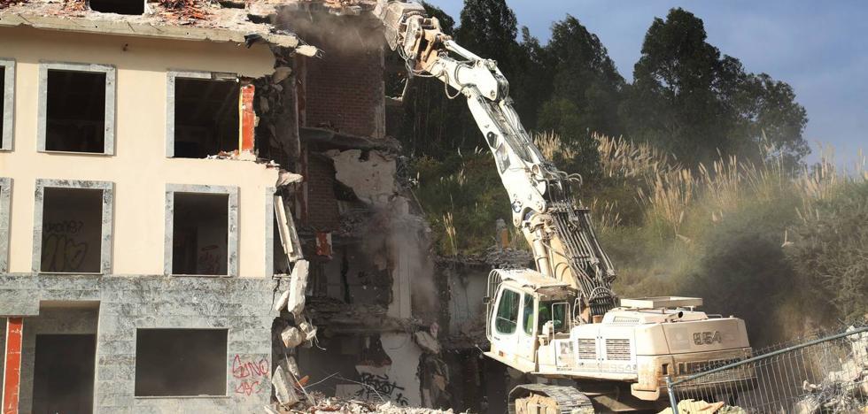 Arca critica que «algunos municipios traspasen las líneas rojas al construir»