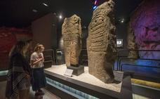 El Mupac presta algunas obras de arte mueble paleolítico al Museo de Alicante