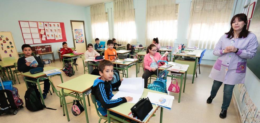 Educación no da marcha atrás y anuncia que elimina de forma parcial la jornada lectiva reducida