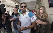 El guardia civil de 'La Manada' intentó obtener el pasaporte el lunes