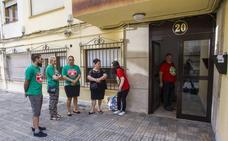 La familia desalojada en Solares presenta una denuncia porque no había orden judicial para el desahucio
