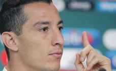 Guardado: «A Neymar le gusta exagerar las faltas, tirarse muchísimo»