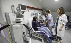 Más de 350 pacientes de Valdecilla se prestan a probar fármacos aún en investigación cada año