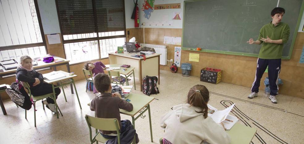 Los profesores amenazan con hacer huelga por el calendario el primer día de clase
