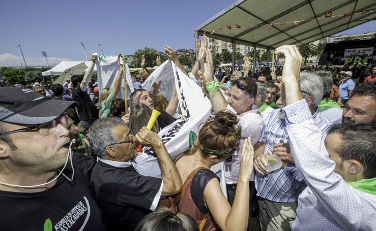 Tensión y enfrentamientos en la fiesta del PRC