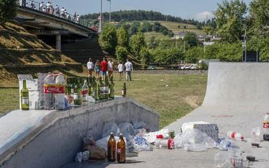 Los vecinos piden acabar con el botellón en las zonas de La Asunción, La Viesca y Sierrapando