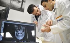 Cantabria, segunda comunidad con más médicos pero menos especialistas