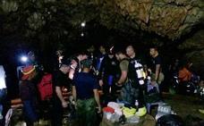 Tailandia prepara la delicada evacuación de los niños atrapados en una cueva