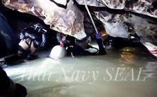 Carrera contrarreloj en Tailandia para evacuar a los niños atrapados en la cueva