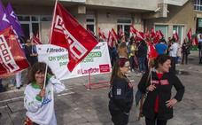 Recogidas 52.000 firmas en apoyo a las nueve despedidas de AON Mobile