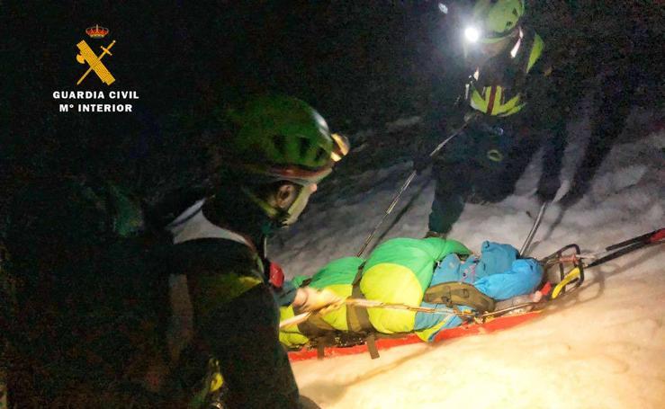 Los Greim llevan a cabo un complicado rescate en Picos de Europa
