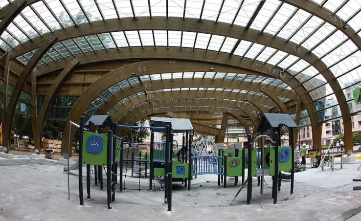 El parque infantil cubierto de Torrelavega, en la recta final