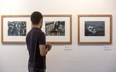 Una exposición de fotografía recuerda en el CDIS el trabajo de los marineros gallegos de los años 30
