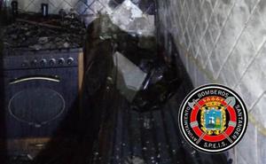 Se incendia una buhardilla en la calle Cuesta del Hospital